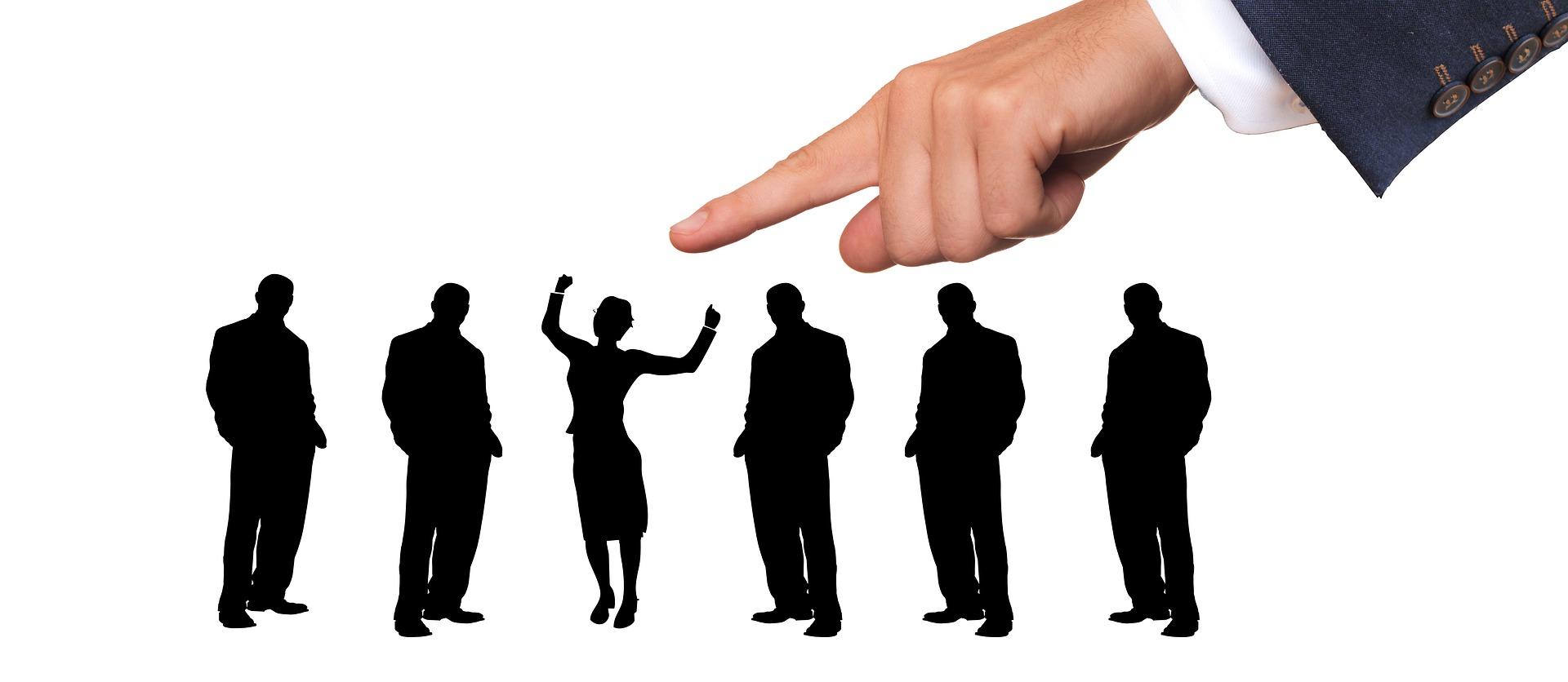 להעסיק עובד או לשכור פרילאנס? כך תקבלו החלטה נבונה
